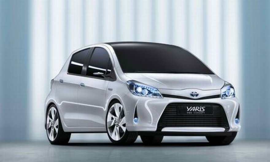 """Toyota Yaris Hybrid"""