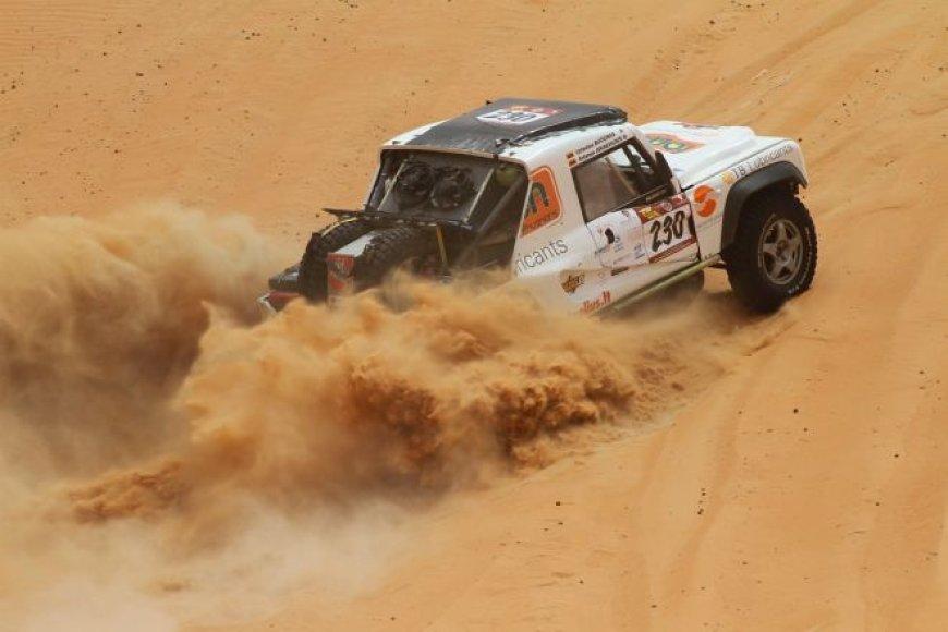 """""""Abu Dhabi desert challenge"""" – trečiasis greičio ruožas"""