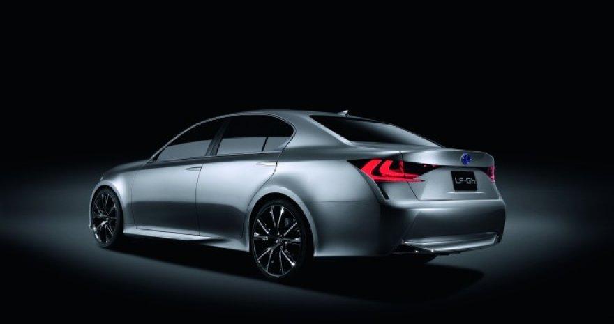 """""""Lexus LF-Gh"""" – sukurtas švariame popieriaus lape"""