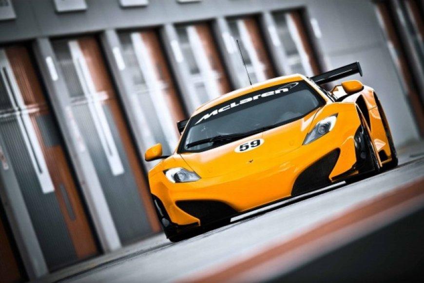 """""""McLaren MP4-12C GT3"""" matysime tik lenktynių trasose"""
