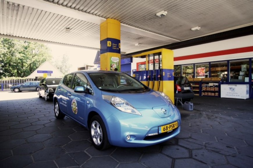 """""""Nissan Leaf"""" – pirmasis GAZAS.LT išbandytas elektromobilis"""