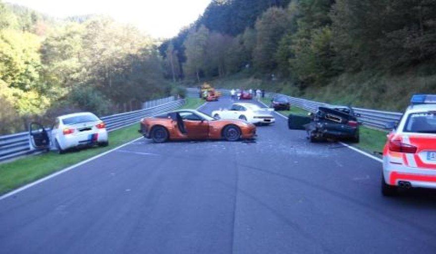 "Nuomotu ""Corvette"" sukelta avarija Niurburgringe"