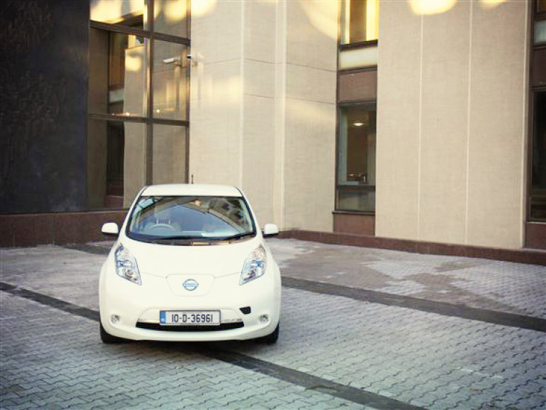 """Nissan Leaf"" pozuoja Seime"