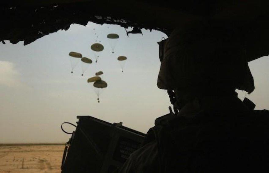 Parašiutais pristatomi kroviniai