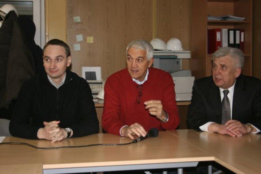 N.Zanolinas (viduryje) lankėsi Klaipėdos arenoje.