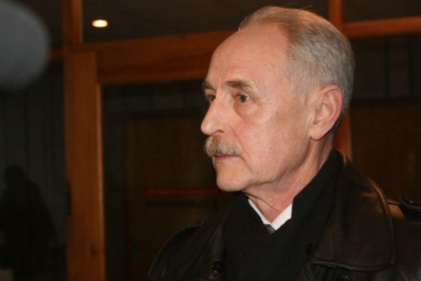 A.Ūso artimųjų interesus ginantis advokatas A.Liutkauskas teigė, jog grąžinti bylą teismui - tik pusė kelio.