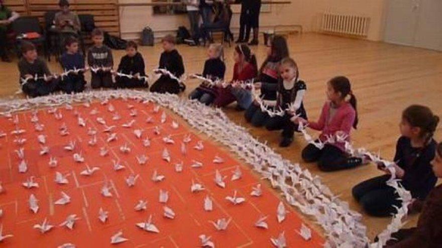 Gerveles lankstė Klaipėdos mokyklų vaikai.