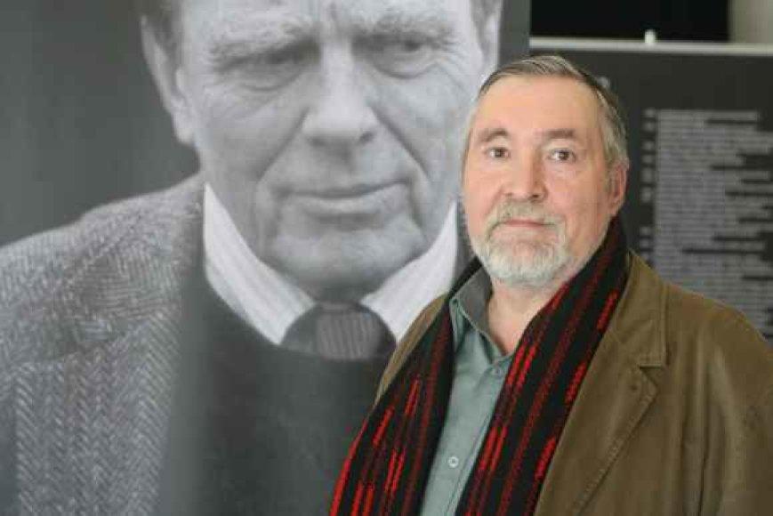 Humanitarinių mokslų daktaro A.Kalėdos teigimu, Lietuva Cz.Miloszui buvo tarsi neatskiriama jo esybės dalis, suformavusi poeto pasaulėjautą ir vertybių sistemą.