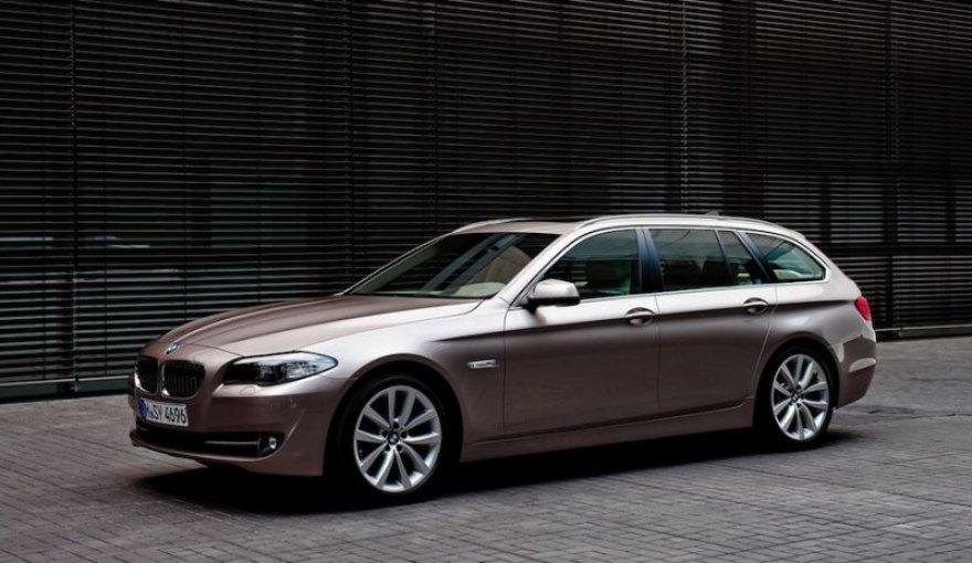 Naujasis BMW 5 universalas – elegancija ir įvairiapusiškumas