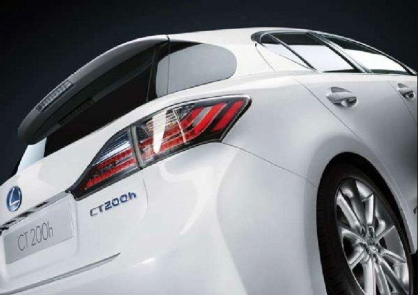"""""""Lexus CT 200h"""" – nutekėję kadrai ir informacija"""
