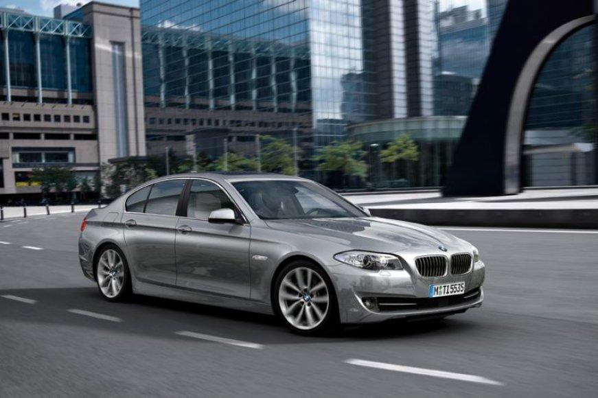 """""""BMW 5 ActiveHybrid"""" – prekyboje jau netrukus"""