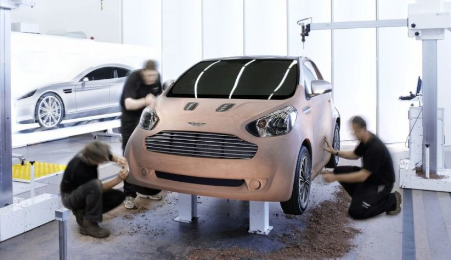 """Aston Martin Cygnet"" - prabangus ""Toyota IQ"""