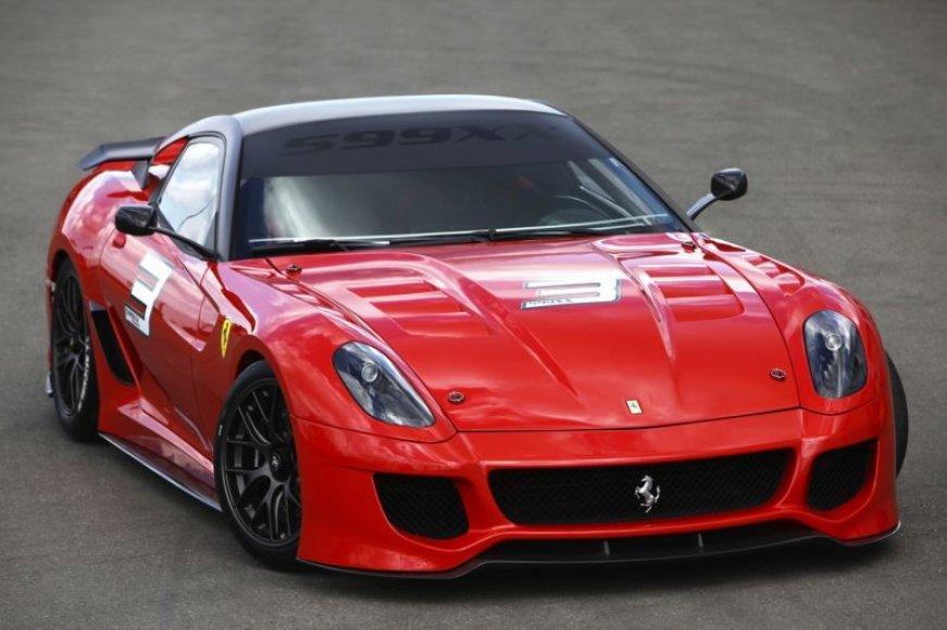 """""""Ferrari 599XX"""" – ekstremalus automobilis trasai"""