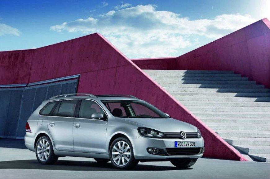 """Naujasis """"Volkswagen Golf"""" universalas – darbinis arkliukas"""