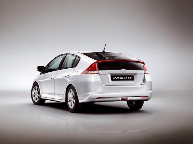 """J. Clarksonas: """"Honda Insight"""" - pats blogiausias automobilis"""
