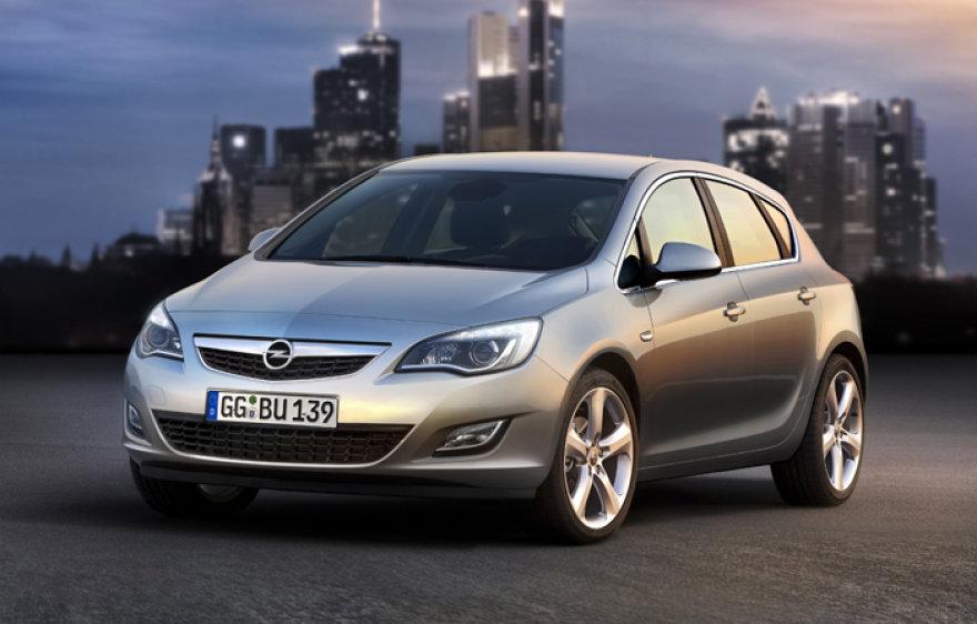 """Naujoji """"Opel Astra"""" – aukščiausios klasės kompaktinis modelis"""