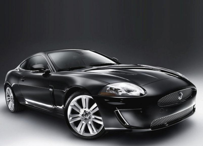 "Dar greitesnis ir galingesnis ""Jaguar XKR"""