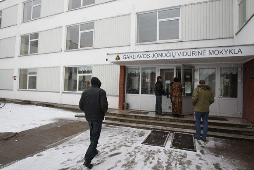 Garliavos Jonučių vidurinė mokykla