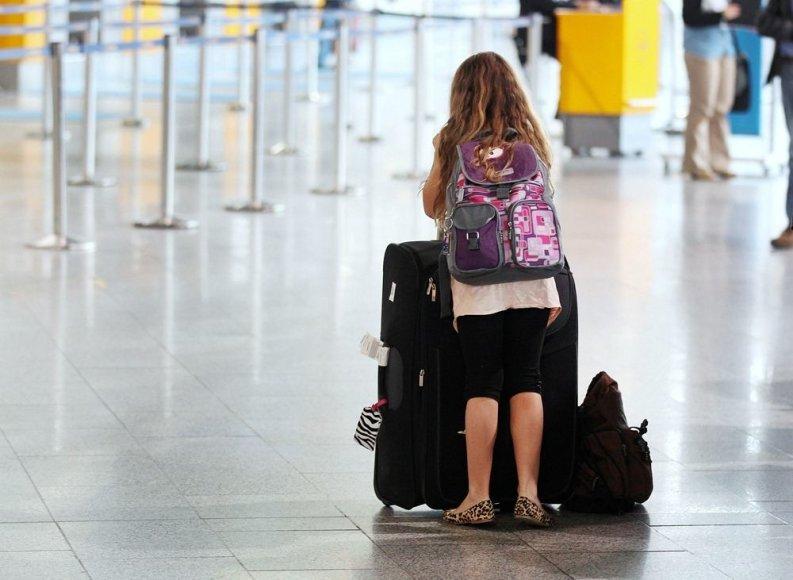 Mergaitė Frankfurto oro uoste