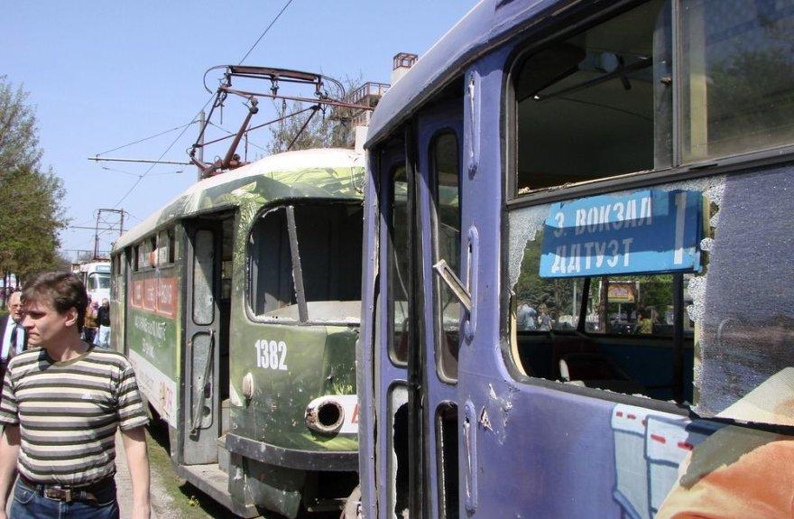 Sprogimo apgadinti tramvajai