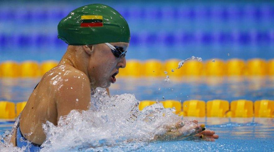 Rūta Meilutytė iš Lietuvos laimėjo aukso medalį 100 m plaukimo krūtine rungtyje