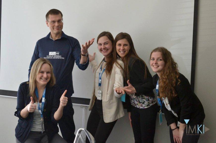 Studentai lankėsi Lietuvoje lyderiaujančiose įvairių sričių įmonėse