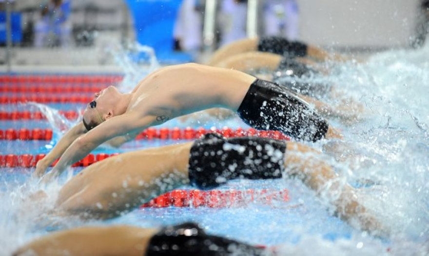 200m  nugara plaukimo startas