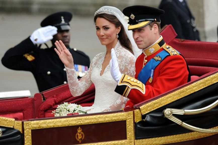 Kate Middleton ir Princas Williamas karietoje
