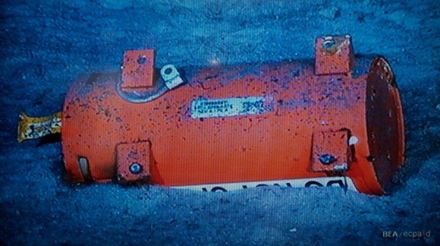 Juodoji dėžė ant vandenyno dugno