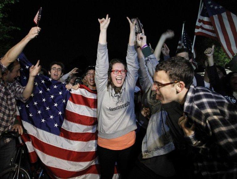 Po pranešimo apie nukautą Osamą bin Ladeną į gatves Niujorke išėjo džiūgaujantys amerikiečiai.