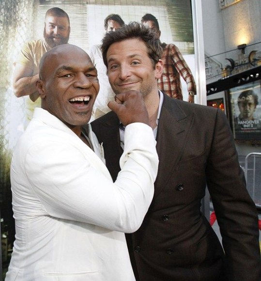 Mike'as Tysonas ir Bradley Cooperis