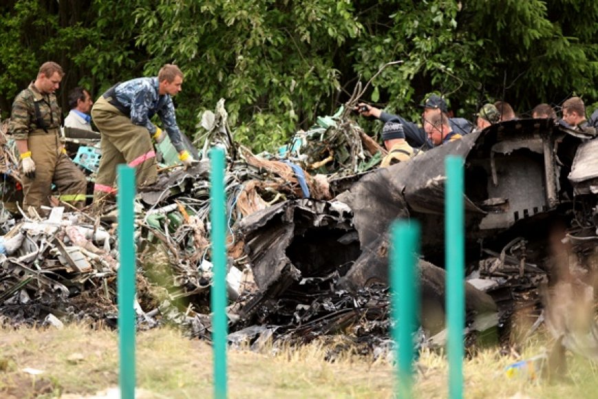 Sudužęs Tu-134 lėktuvas