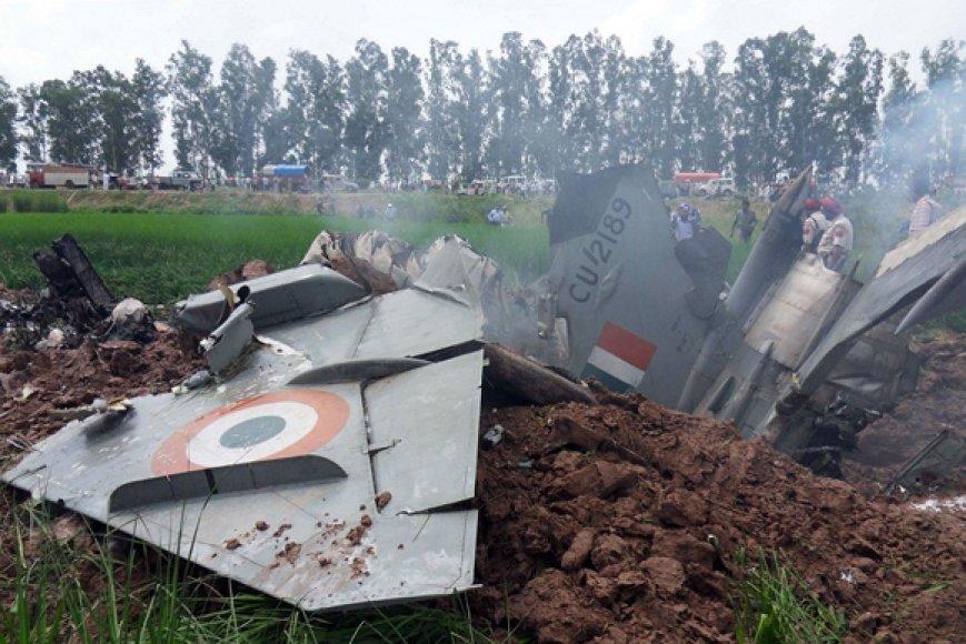Nukritęs Indijos oro pajėgų naikintuvas MiG-21