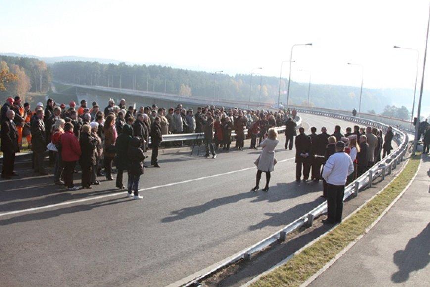 Lietuvos tūkstantmečio tilto atidarymo akimirka