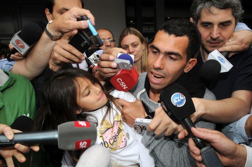 Carlosas Tevezas šiuo metu yra Argentinoje