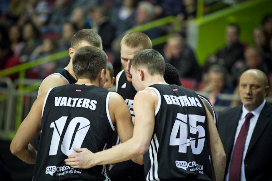 Donatas Zavackas su komandos draugais