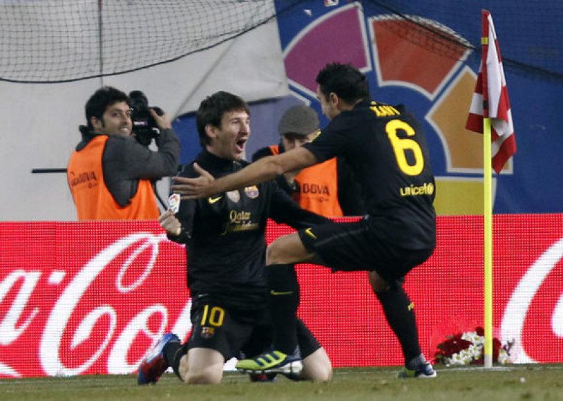 Leonelis Messi ir Xavi