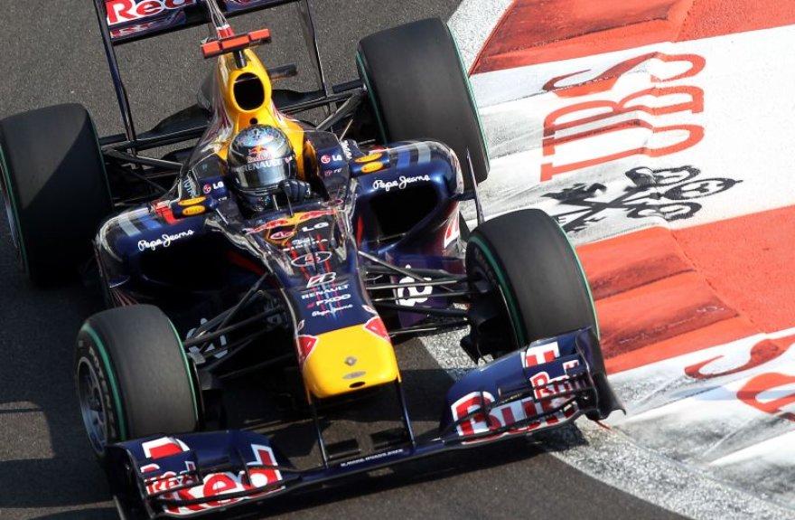 S.Vettelis įveikė greičiausią ratą