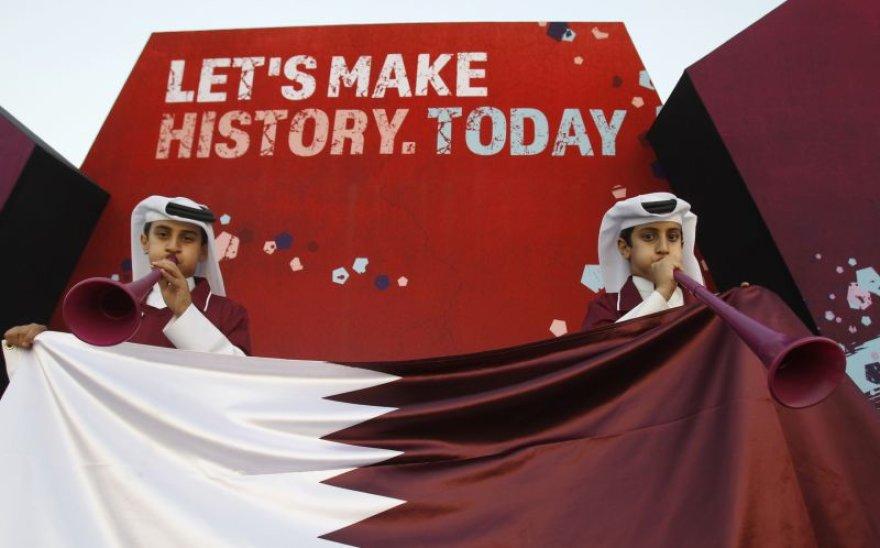 Triumfuoja Kataro futbolo gerbėjai, triumfuoja Rusija