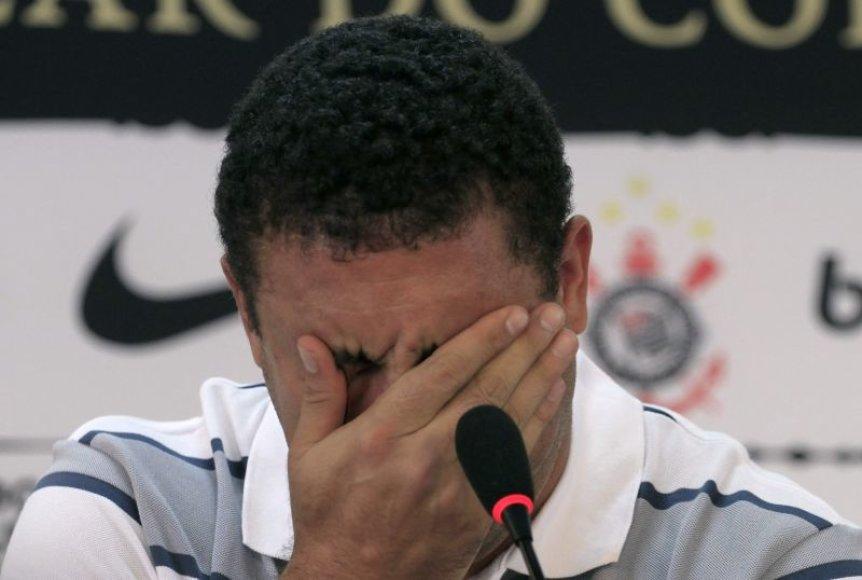 Ronaldo per spaudos konferenciją neslėpė ašarų.