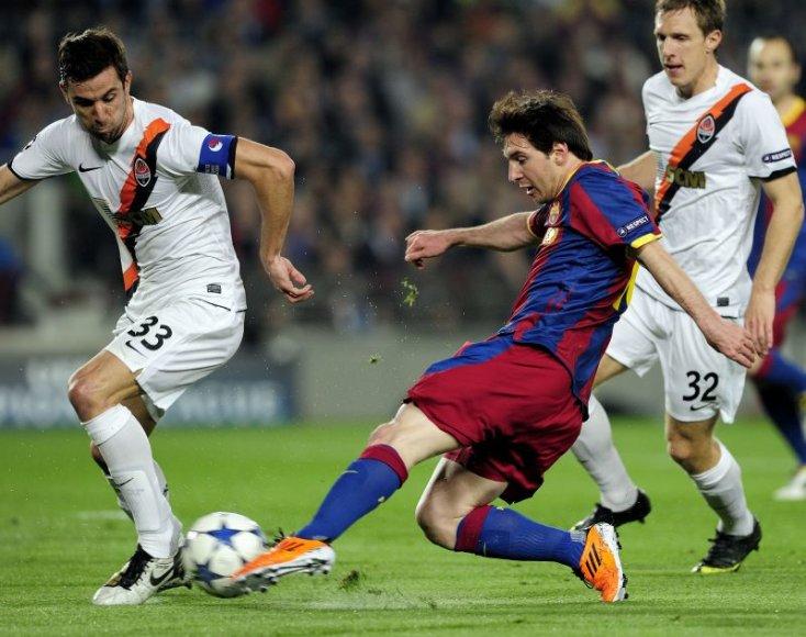 Mačo akimirka. D.Srna prieš L.Messi
