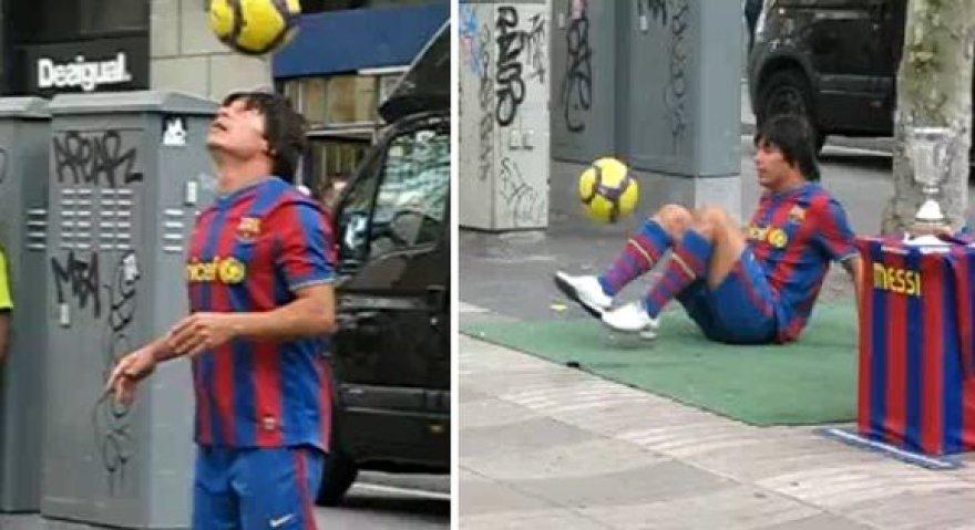 """Vaikinas savo talentą pademonstravo Barselonos miesto """"Las Ramblas"""" gatvėje."""