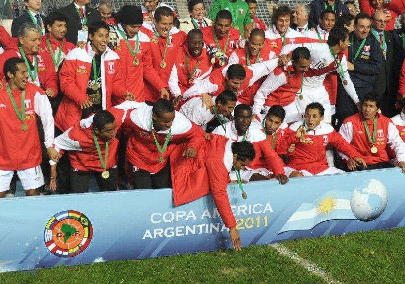 Peru futbolininkams įteikti bronzos medaliai