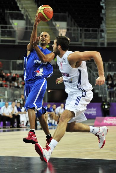 Prancūzija ir Kroatija iškovojo po dvi pergales, britai dukart suklupo