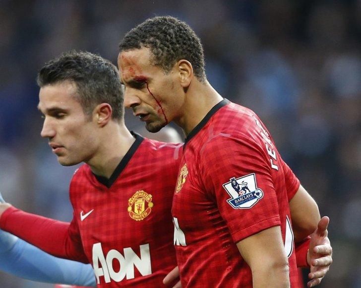"""Robinas van Persie pasiuntė lemiamį įvartį į """"Manchester City"""" vartus"""