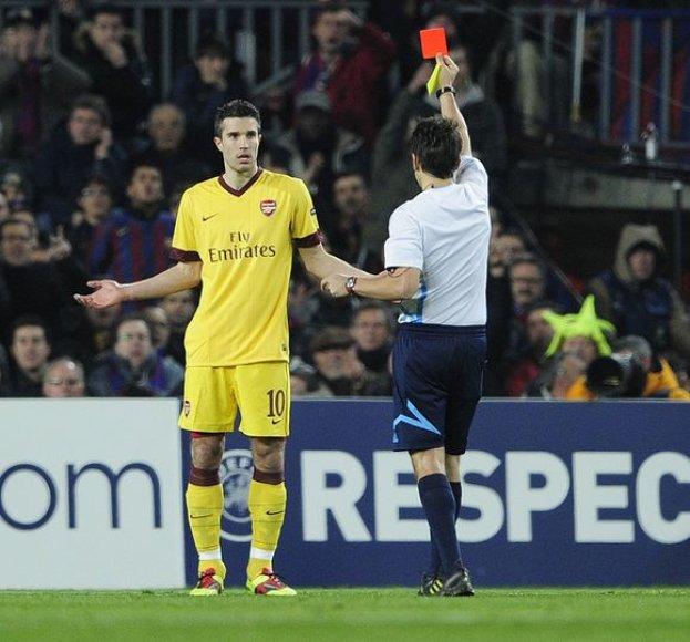 """""""Barcelona"""" atkeršijo """"Arsenal"""" ir žengė į kitą UEFA Čempionų lygos etapą"""