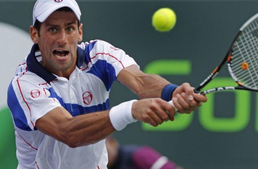 Novakas Djokovičius šį sezoną dar nepralaimėjo.