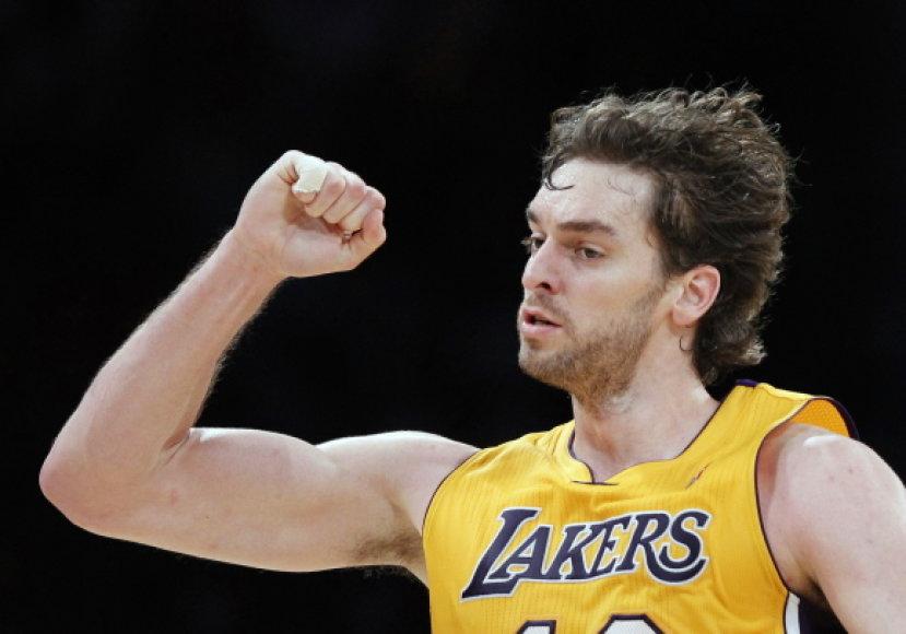 """Pau Gasolis buvo rezultatyvus, bet """"Lakers"""" pralaimėjo"""