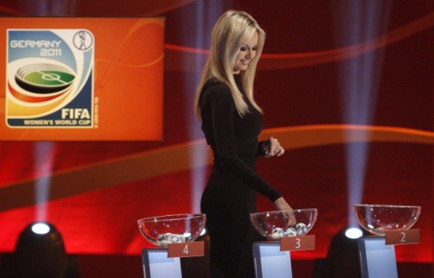 2011 metų moterų pasaulio futbolo čempionato burtų traukimo ceremonijos akimirka