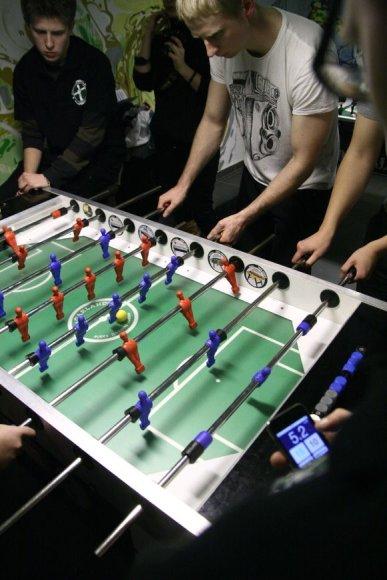 Stalo futbolo varžybos.